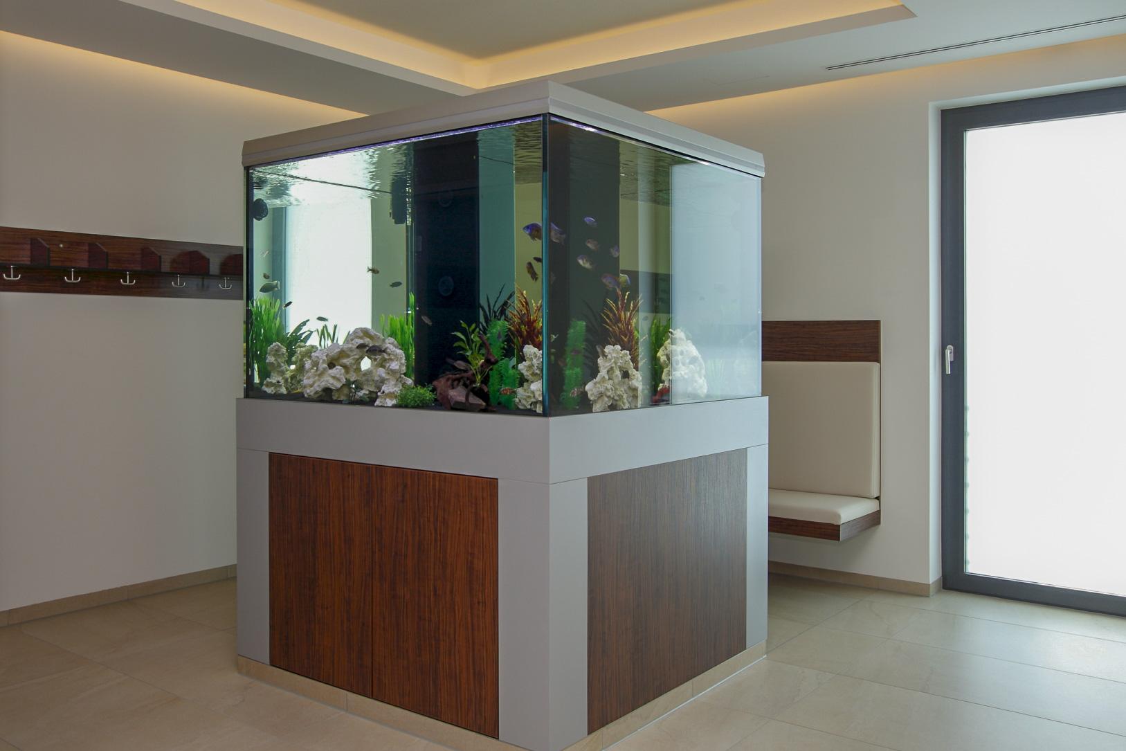 Möbel für Umkleideräume in Sport-, Fitness- und Wellnessstudios